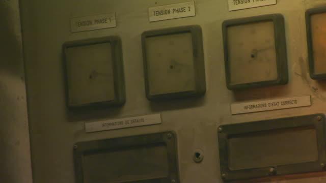 vídeos y material grabado en eventos de stock de paris, francemachine gauges, close up - dial