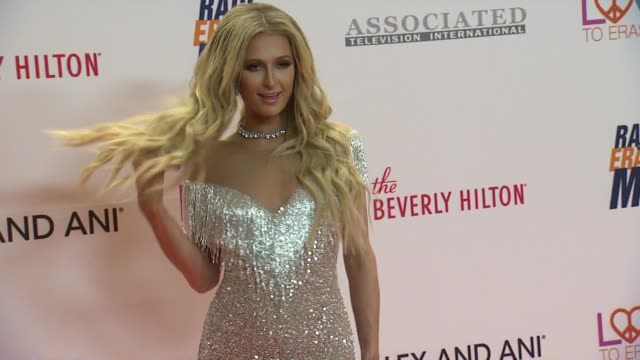 vídeos y material grabado en eventos de stock de paris hilton at the 24th annual race to erase ms gala in los angeles ca - paris hilton