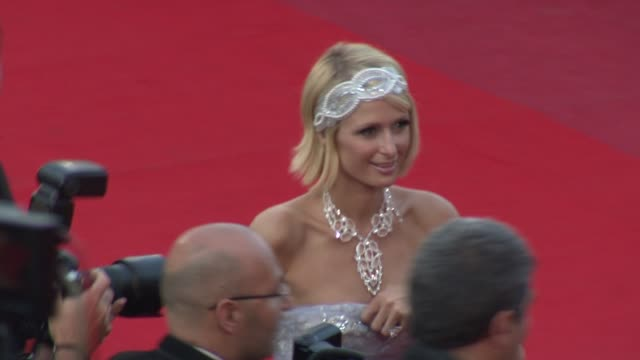 paris hilton at the cannes film festival 2009 inglourious basterds steps at cannes - 62 ° festival internazionale del cinema di cannes video stock e b–roll