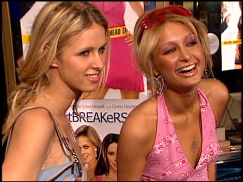 paris hilton at the 'heartbreakers' premiere at the el capitan theatre in hollywood california on march 19 2001 - paris hilton stock videos & royalty-free footage