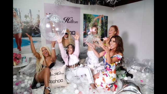 vídeos y material grabado en eventos de stock de paris hilton lil' kim and guests attend the boohoocom x paris hilton collection launch party at delilah on june 20 2018 in west hollywood california - paris hilton