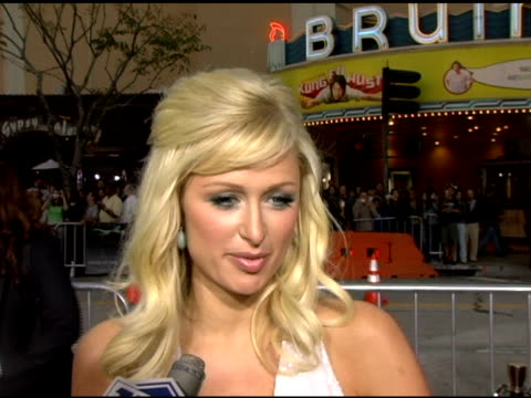 vídeos y material grabado en eventos de stock de paris hilton on how she is glad she saw movie before today because she was super scared this summer she plans on doing simple life 4 and going to... - paris hilton