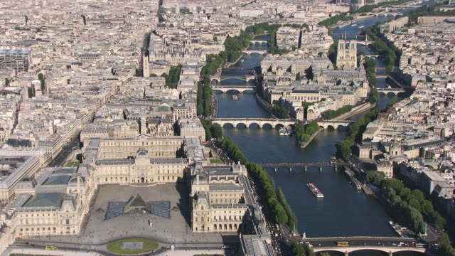 paris : ile de la cité with the louvre and notre dame - river seine stock videos & royalty-free footage