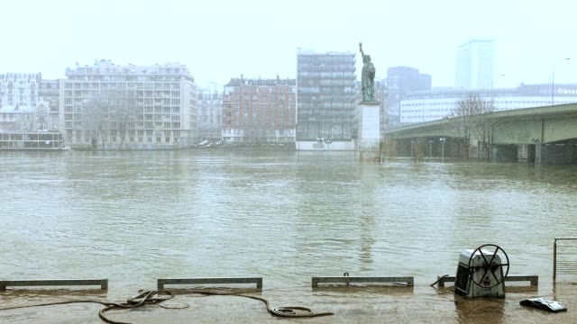 paris in snow and under flood - pont de grenelle stock videos and b-roll footage