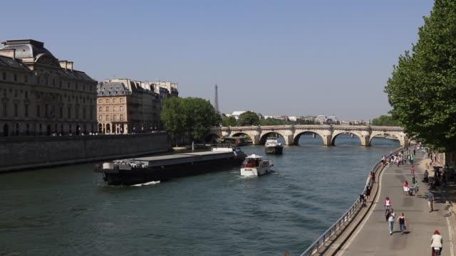 Paris in the spring, quai du bord de seine