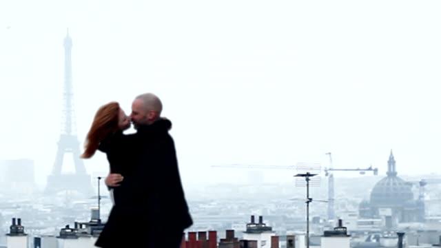 Paris Küssen Paar