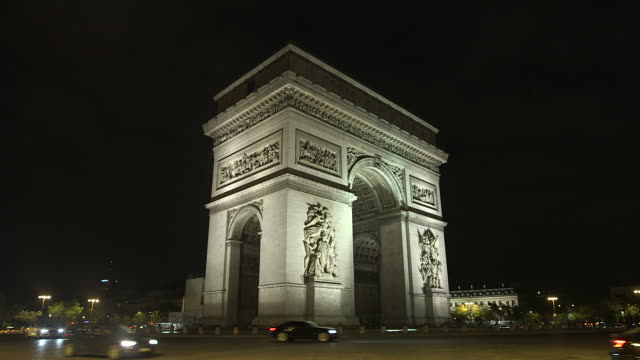 vídeos y material grabado en eventos de stock de paris monument at night, triumphal arch - arco triunfal
