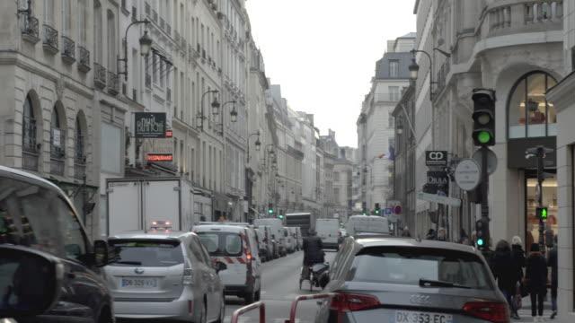 paris, narrow street - narrow stock videos & royalty-free footage