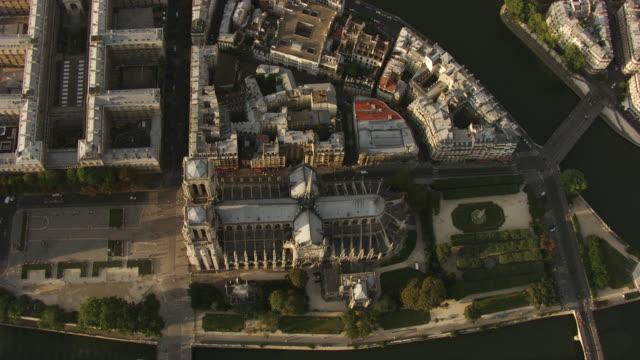 paris : notre dame on île de la cité - île de france stock-videos und b-roll-filmmaterial