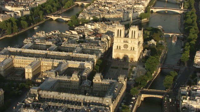 vidéos et rushes de paris :  notre dame - cathédrale