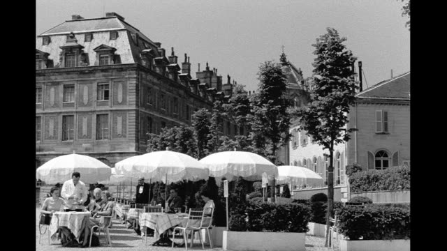 stockvideo's en b-roll-footage met 1946 - paris outdoor cafe - 1946