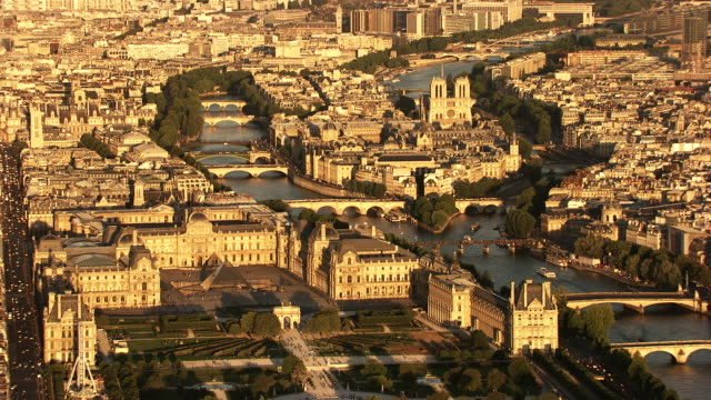 paris : overview with le louvre and ile de la cité - louvre stock videos and b-roll footage