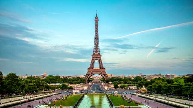 TIME LAPSE: Paris - the Eiffel Tower