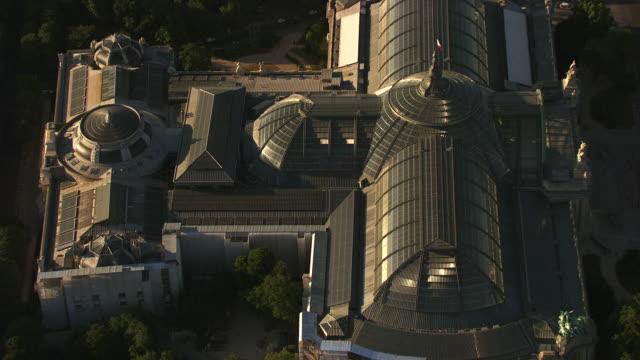 paris : the grand palais - grand palais stock-videos und b-roll-filmmaterial