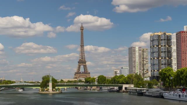 Paris, Time lapse with Eiffel tower in background