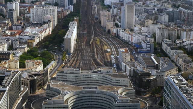 luftaufnahme von paris train station gare vaugirard - lokomotive stock-videos und b-roll-filmmaterial