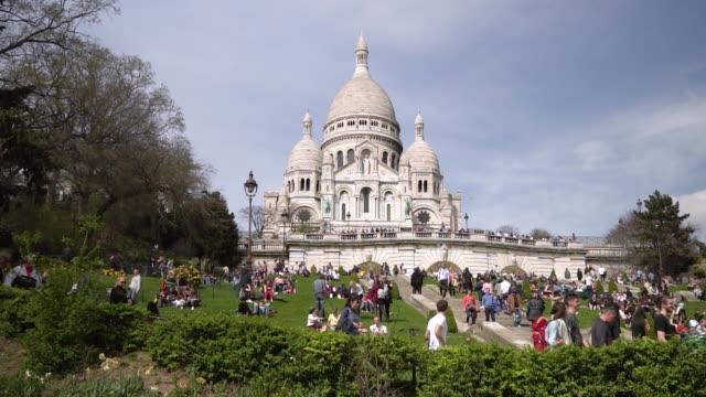 paris, view of basilique du sacre coeur - basilique du sacre coeur montmartre stock videos and b-roll footage