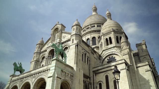 paris, view of basilique du sacre coeur - monument stock videos & royalty-free footage