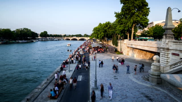 paris waterfront esplanade, time lapse - seine river stock videos and b-roll footage