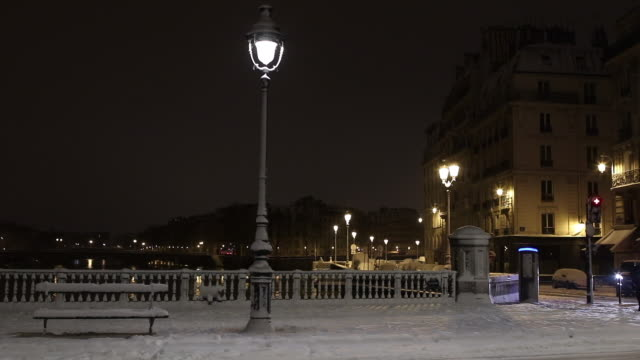 Paris with snow at night, 2018, Pont Notre Dame