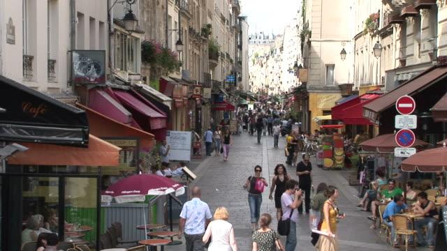 stockvideo's en b-roll-footage met pariscity street with shops in paris france - kassei