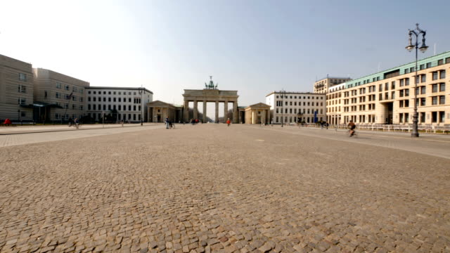 pariser platz empty during the coronavirus epidemy - courtyard stock videos & royalty-free footage