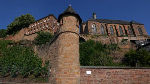 Parish Church of St, Lawrence and Kautenturm, Saarburg on the banks of the Saar River, Rhineland-Palatinate, Germany
