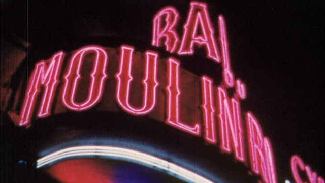 parisian nightlife offers dancing, entertainment, champagne and fine dining. - 1950 stock-videos und b-roll-filmmaterial