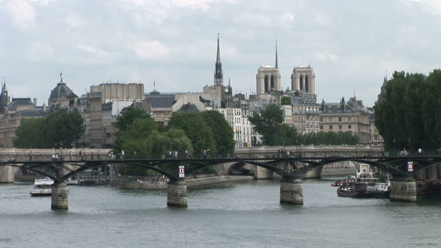 parispont des arts bridge in paris france - 宗教施設点の映像素材/bロール