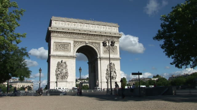 parisview of arc of triumph in paris france - triumphal arch stock videos & royalty-free footage