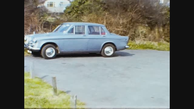 parked car in 60s - stationary stock videos & royalty-free footage