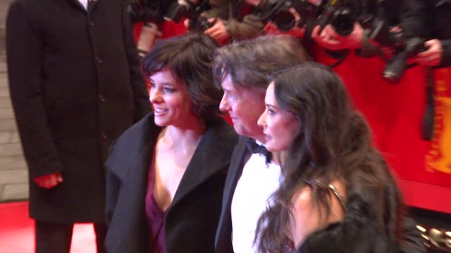 parker posey, mitchell lichtenstein and demi moore at the 59th berlin film festival: happy tears red carpet premiere at berlin . - parker posey stock videos & royalty-free footage