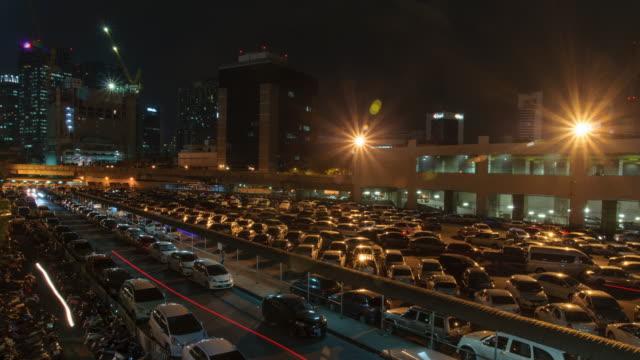 Parcheggio di notte