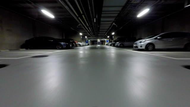 vídeos y material grabado en eventos de stock de estacionamiento sin servicio de valet - aparcar