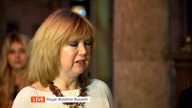 Parliament votes in favour of air strikes against Islamic State in Iraq reaction in Wooton Bassett ENGLAND Wiltshire Royal Wootton Bassett Tom...