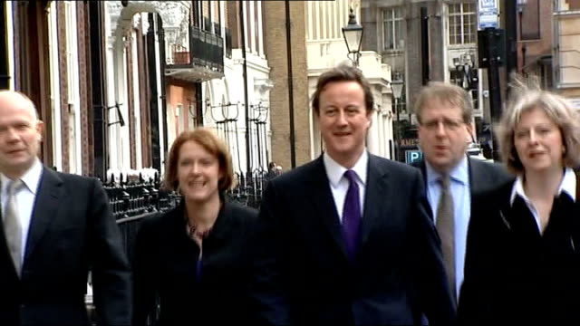 stockvideo's en b-roll-footage met david cameron orders tory mps to declare expenses england london ext william hague mp caroline spelman mp david cameron mp patrick mcloughlin mp and... - william hague