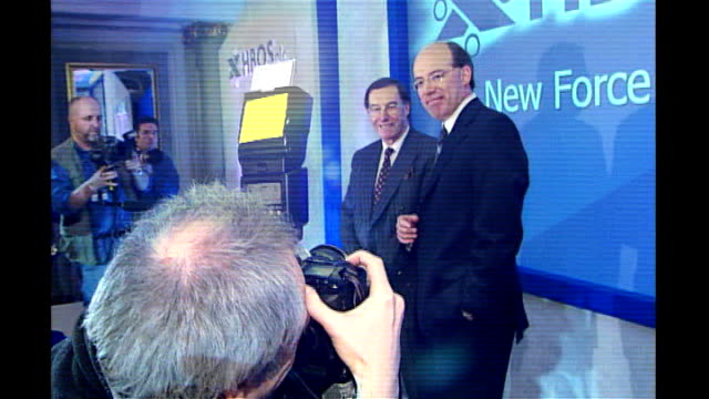 stockvideo's en b-roll-footage met parliamentary commission quiz hbos former chairman t04050111 / halifax various of sir james crosby shaking hands with peter burt after merger between... - channel 4 news