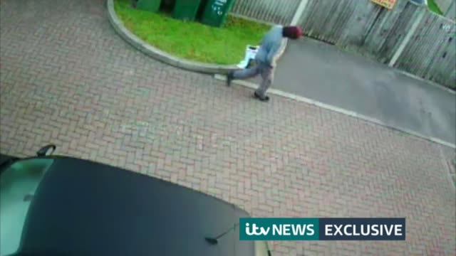 police arrest second man / security threat lowered sunburyonthames man potentially the parsons green terrorist carrying large lidl supermarket bag... - itv weekend late news点の映像素材/bロール