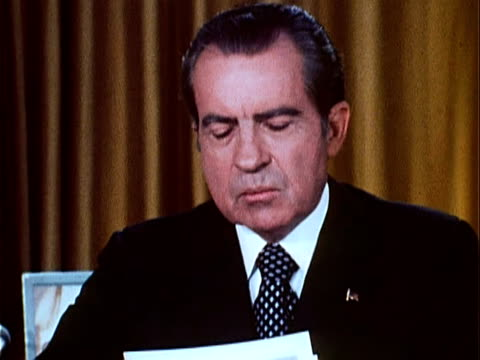 part 3 of nixon speech defending his office against watergate charges / talks about the resignation of white house staff members, bob haldeman and... - リチャード・ニクソンの大統領辞任点の映像素材/bロール