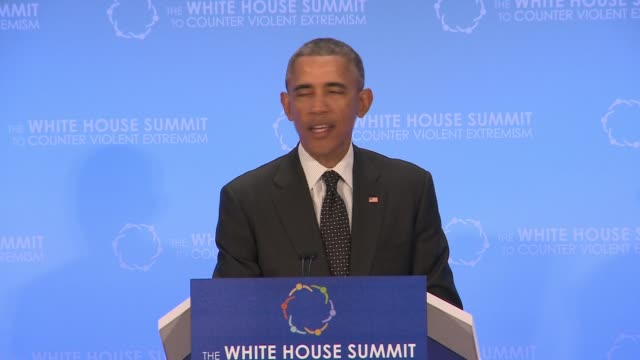 part 4 of 5 of us president barack obama's speech to day 2 of the summit on countering violent extremism as hosted by the us state department - 2日目点の映像素材/bロール
