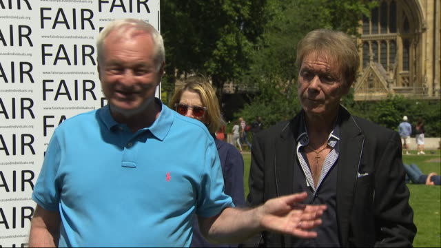 part 6 - shows exterior shots broadcaster paul gambaccini speaking at press conference, alongside representative from falsely accused individuals for... - reform stock-videos und b-roll-filmmaterial