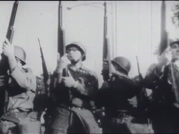 vidéos et rushes de part of a youth international party film about the riots at the 1968 democratic national convention in chicago. - 1968