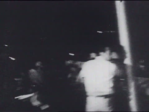 part of a youth international party film about the riots at the 1968 democratic national convention in chicago - 1968年点の映像素材/bロール