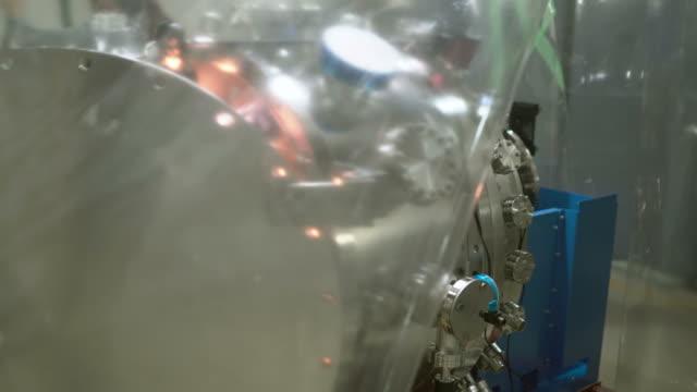 工場機械部 - 空気弁点の映像素材/bロール