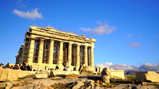 parthenon-tempel in der akropolis in athen - unesco welterbestätte stock-videos und b-roll-filmmaterial