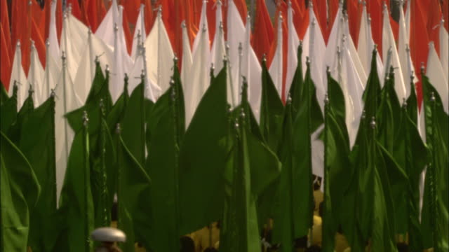 participants carry flags of india during the india republic day parade. - india flag stock videos & royalty-free footage