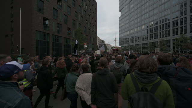 participants dance during the strike 'no future no dancefloor' a part of a global climate action day with techno and electronic dance music - electronic music stock videos & royalty-free footage