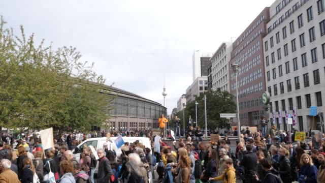participants in the fridays for future movement protest during a nationwide climate change action day on september 20, 2019 in berlin, germany.... - alexanderplatz stock videos & royalty-free footage