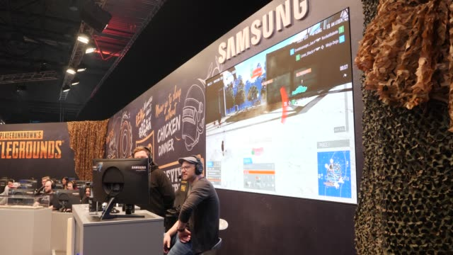 stockvideo's en b-roll-footage met participants play computer games during a lan party in the expo area at the dreamhack leipzig digital festival on january 24 2020 in leipzig germany... - gokken