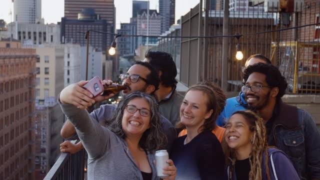 party selfie - gemischte altersgruppe stock-videos und b-roll-filmmaterial